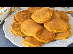 Tortitas de zanahoria. Bizcochitos esponjosos en menos de 10 minutos (SIN HORNO) - YouTube Crepes, Cake Pops, Breakfast Recipes, Pudding, Meat, Cooking, Anna, Youtube, Instagram