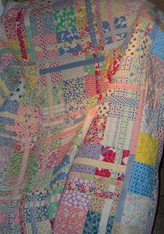 Split Nine-Patch patternhttp://www.modabakeshop.com/2010/02/off-grid-sliced-nine-patch-quilt.html