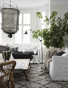 Cosy and relaxed Scandinavian living room with mix of textures and natural materials. Adore this Style! Home Living Room, Living Room Designs, Living Room Decor, Living Spaces, Living Room Inspiration, Interior Inspiration, Living Room Scandinavian, Scandinavian Interior, Scandinavian Style