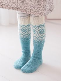Life with Mari: Frozen- villasukat ♥ OHJE Fair Isle Knitting, Knitting Socks, Hand Knitting, Knitting Patterns, Laine Rowan, Sexy Socks, Wool Socks, Lace Boot Socks, Knitting Accessories