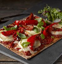 Gluten-free goat cheese and red pepper pizza recipe Newburn Bakehouse by Warburtons Pizza Recipes, Lunch Recipes, Vegetarian Recipes, Goat Cheese Pizza, Gluten Free Wraps, Wheat Free Recipes, Pepper, Healthy, Lunches