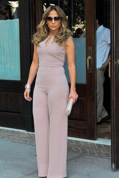 #JenniferLopez looks stunningly #sexy in this simple #romper revealing very little other than her shoulders and arms. I LOVE this look! She wears it very well with a well proportioned frame.