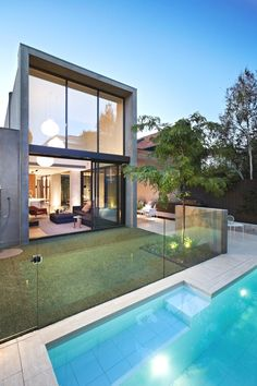 Best Ideas For Modern House Design & Architecture : – Picture : – Description Australian architects Workroom Design collaborated with Agushi Builders to create Oban House, an urban house in South Yarra near Melbourne, Australia. Design Exterior, Interior And Exterior, Moderne Pools, Modern Properties, Australian Homes, Modern House Design, Loft Design, Interior Architecture, Beautiful Homes