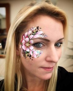 please comment if it's yours or you know who it is! Face Painting Flowers, Eye Face Painting, Adult Face Painting, Face Painting Designs, Body Painting Pictures, Maquillage Halloween, Lip Designs, Motif Floral, Face Design