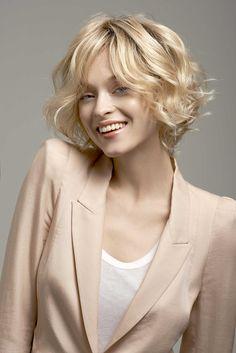 Carr blond californien coiffure pinterest chemises blond et plages - Carre ondule court ...