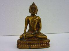 Tibetische Buddha Statue  Messing Tibet Indien von Bezauberndes Tibet, Feng Shui, Religion, 40 Years Old, Messing, Buddha, Brass, Etsy, Vintage