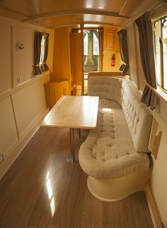Is it really possible to live on a houseboat?different types of houseboats that are commonly used as fulltime dwellings of vacation homes. Barge Boat, Canal Barge, Canal Boat Interior, Living On A Boat, Tiny Living, Boat Furniture, Narrowboat Interiors, Boat Stuff, Floating House