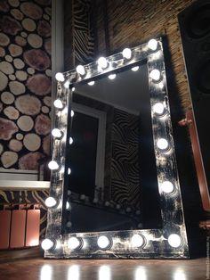 Купить или заказать Гримерное зеркало LOFT. в интернет-магазине на Ярмарке Мастеров. Гримерное зеркало LOFT. Размер по раме 120 см на 80 см. Вертикальное и горизонтальное подвешивание. Материалы: массив сосны, краски и лазурь tikurilla, применен эффект застаривания. Лампы LED (светодиодные) 18 штук, свет теплый. Данные лампы не нагреваются, потребляют всего 5 ват, средний срок службы одной лампы 10 лет, полностью стеклянные, имитируют обычную лампу накаливания.