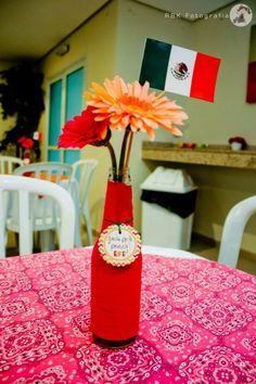 Use similar idea for centerpiece. Make tissue flowers. Adult Birthday Party, First Birthday Parties, Birthday Party Themes, Mexican Fiesta Party, Fiesta Theme Party, Simple Centerpieces, Party Centerpieces, Party Rock, Party Planning