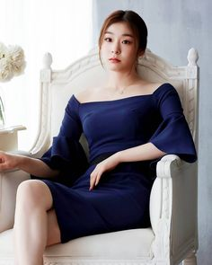 ( *`ω´) If you don't like what you see❤, please be kind and just move along. Kim Yuna, Beautiful Athletes, Korean Women, Asian Woman, Beauty Women, Asian Beauty, Glamour, Queen, Celebrities