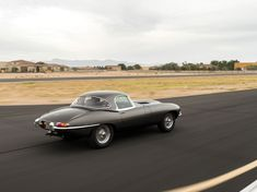 15 Ridiculously Sexy Photos Of A 1965 Jaguar E-Type - Airows Jaguar Xk, Jaguar E Type, Enjoy Car, Jaguar Daimler, Best Classic Cars, My Ride, New Tricks, Screen Shot, Collector Cars