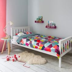Nöa & Nani - White trundle for single bed. Perfect solution for optimising space underneath a single bed. Single Bed Frame, Bedroom Design, Bedroom Diy, Wooden Bed, Trundle Bed, Childrens Single Beds, Bed, Single Bed, Headboard And Footboard