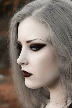 Love the contrasts and grey hair