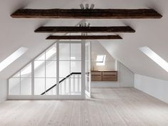 Attic Master Bedroom, Attic Bedroom Designs, Attic Bedrooms, Attic Design, Loft Design, Home Room Design, Bedroom Loft, Attic Renovation, Attic Remodel