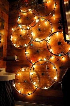 DIY living ideas that promote your creativity - crafts with fun- DIY Wohnideen, die Ihre Kreativität fördern – Basteln mit Spaß diy lamps and lights craft ideas wall lighting - Bicycle Rims, Bicycle Art, Bike Wheels, Bicycle Decor, Bicycle Crafts, Bicycle Lights, Bicycle Design, Diy Luz, Ideas Paso A Paso