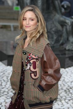 Dianna Agron ✾ arriving at the Miu Miu fashion show during Paris Fashion Week. Quinn Fabray, Ed Westwick, Taylor Momsen, Matthew Espinosa, Chuck Blair, Annasophia Robb, Marina And The Diamonds, Kaya Scodelario, Dianna Agron Hair