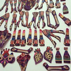 良い風。  一気に乾きそう。  6月21日→26日 渋谷コンシールギャラリー  アクツモvol.9出展↓ https://www.facebook.com/events/1611820172477778/?ti=icl  #KIIMAN #悪セサリー #jewelry #earring #necklace #Organ #oil #Oilpaint #油絵 #革 #スウェード #Leatherwork #Leather #フェチ #Fetish #ART #Contemporaryart #足 #臓器 #airport #airterminal