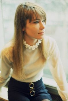 francoise hardy bangs and straight hair
