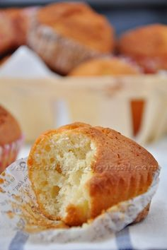 Curd muffins (my favorite)- Творожные кексы (мои самые любимые) I really love these delicate, airy muffins with a curd-creamy taste. The recipe has been tested a million times, it turns out very tasty and cooked simply and quickly. Cupcake Recipes, Baking Recipes, Cookie Recipes, Cupcake Cakes, Dessert Recipes, Bread Recipes, Cookie Desserts, Easy Desserts, Easy Sweets