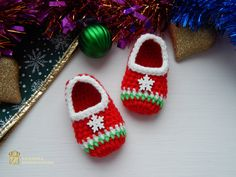Christmas baby announcement,Christmas birth announcement,Newborn Santa Slippers,Newborn Santa Shoes,Christmas Baby Booties,Christmas boots  Beautiful little Santas crochet Baby booties will keep your baby's little feet cozy and warm. Crochet baby boots made from 100% acrylic yarn. They are warm and beautiful and the perfect gift for any baby. Decorated with a snowflake. The booties can be used as a great finishing touch to an evening outfit.  From a smoke-free, pet-free home. I recommend…