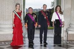 Pin for Later: Queen Rania Gives All the Supermodels a Run For Their Money in This Balmain Skirt