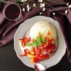 Who would've guessed flavorful chicken and rice could be so simple and yummy?