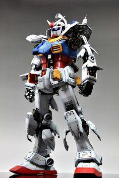 Perfect Grade PG Gundam (by Gundam Guy) Photo 7 Battle Robots, Perfect Grade, Gundam Wallpapers, Gundam Mobile Suit, Gundam Seed, Gundam Model, Man Photo, Figure Painting, Godzilla