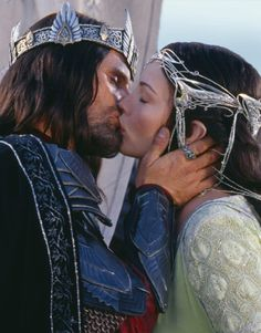 Still of Liv Tyler and Viggo Mortensen in The Lord of the Rings: The Return of the King (2003)