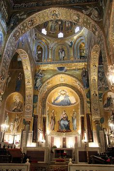 Cappella Palatina, in the Palazzo Reale, Palermo, Italy. commissioned by Roger II of Sicily in 1132, It has three apses, with six pointed arches (three on each side of the central nave) resting on recycled classical columns.  #palermo #sicilia #sicily