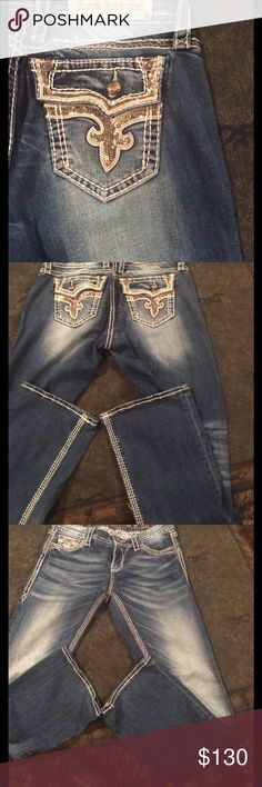 ❤Rock Revival Kai easy boot jeans❤ Like new other than the I missing. Size 28 easy inseam  33 Rock Revival Jeans Boot Cut