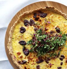 Olive, thyme and onion tart (beautiful rustic pastry) Veg Recipes, Light Recipes, Snack Recipes, Recipies, Onion Tart, Savory Tart, Healthy Cooking, Food Inspiration, Gourmet