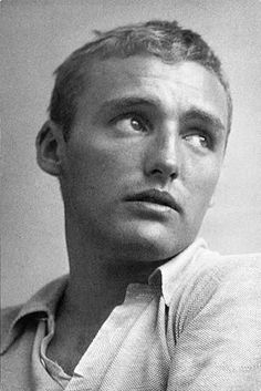Dennis Hopper (May 1, 1936 - May 29, 2010) American actor.