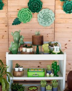 Cactus Decoration Ideas That You Can Try In Your Home 07 Birthday Surprise Kids, First Birthday Parties, Birthday Party Decorations, Party Themes, Party Ideas, Decoration Plante, Cactus Decor, Green Party, Mexican Party
