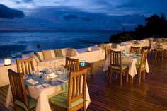 Dinner of the rooftop terrace at Ibo Island Lodge. Outdoor Chairs, Outdoor Furniture Sets, Outdoor Decor, Rooftop Dining, Rooftop Terrace, Countries To Visit, Outside World, Turquoise Water, Great Restaurants