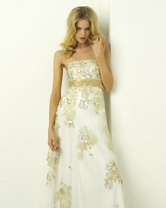 Its pretty! Its probably not for me, but I like it! #wedding #dress