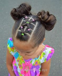 girl girl hairstyles Peinados fciles y bonitos par Girls Hairdos, Lil Girl Hairstyles, Bun Hairstyles, Teenage Hairstyles, Simple Girls Hairstyles, Cute Toddler Hairstyles, Children Hairstyles, Pretty Hairstyles, Hairstyles Pictures