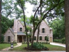 How to choose the right property in Dallas  Dallas is emerging as one of the hotspots in real estate market because of its rapid growth.  #realestateinvestors #incomeproperty #dallas http://reihunterus.tumblr.com/post/99302672945/how-to-choose-the-right-property-in-dallas
