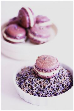 Foodagraphy. By Chelle.: Lavender macarons