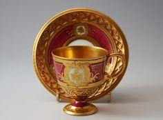 Šálek na kávu * zlacený fialový porcelán, ručně zdobený.