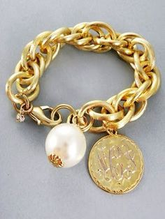 Great look! Full Southern: gold link bracelet with monogram & pearl. But it is goldstone, not gold filled. Jewelry Box, Jewelry Accessories, Fashion Accessories, Jewelry Making, Auto Accessories, Gold Jewelry, Gold Link Bracelet, Link Bracelets, Pearl Bracelet