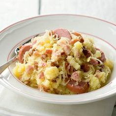 Sauerkraut apple stamp with smoked sausage - Recipe - Allerhande Mashed Potato Recipes, Pureed Food Recipes, Healthy Recipes, Healthy Food, Sauerkraut, Smoked Sausage Recipes, Dutch Recipes, Pasta, 20 Min