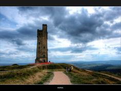 Rapunzel's Tower on Castle Hill, Huddersfield, Yorkshire, UK The Places Youll Go, Places To See, Beautiful World, Beautiful Places, Amazing Places, Willis Tower, Beautiful Landscapes, Wonders Of The World, Rapunzel