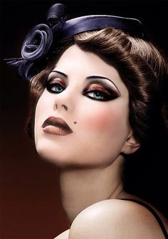Although this looks photoshopped I still love the makeup here