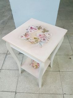 Beautiful Furniture Vanity, Paint Furniture, Furniture Making, Furniture Makeover, Furniture Decor, Whimsical Painted Furniture, Shabby Chic Furniture, Jewelry Box Makeover, Shabby Chic Vanity