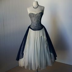 1930-1940 Vintage Dress by Peggy Hunt... Tell me that's not absolutely gorgeous!!!