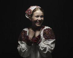 Slovak Renaissance by Petra Lajdova Folk Clothing, The Costumer, Folk Costume, Ethnic Fashion, Women's Fashion, Fashion History, Headpiece, Renaissance, Art Photography