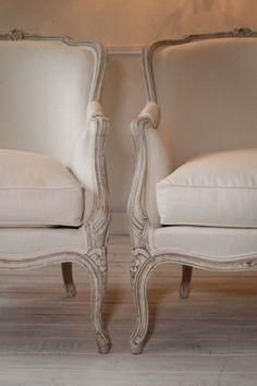 Francuska Berżera Ludwik XV z XX wieku Classic Home Furniture, French Furniture, Rustic Furniture, Vintage Furniture, Furniture Design, Luxury Furniture, Sofa Makeover, Furniture Makeover, French Sofa