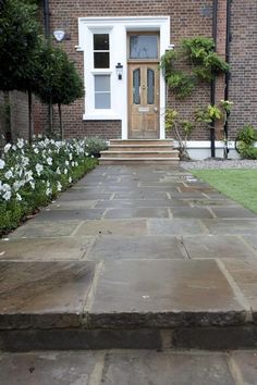Landscape Gardening Jobs In Canada; Landscape Gardening For Beginners near Landscape Gardening Business Name Ideas these Landscape Gardening Jobs In Dubai my Landscape Gardening Course Kent Garden Paving, Garden Paths, Landscaping Tips, Garden Landscaping, Front Path, Front Garden Path, York Stone, Paving Ideas, Front Gardens