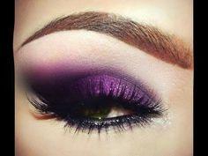 Assista esta dica sobre Maquiagem Roxa Fácil para Balada, Maquiagem Púrpura Brilhante e muitas outras dicas de maquiagem no nosso vlog Dicas de Maquiagem.