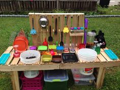 Pallet mud kitchen!!
